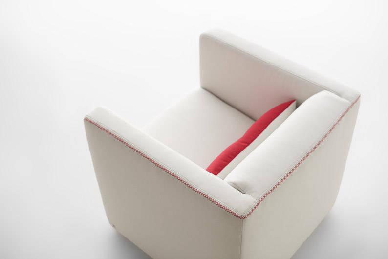 2015-07-08-SG50-Edition-Chair0218