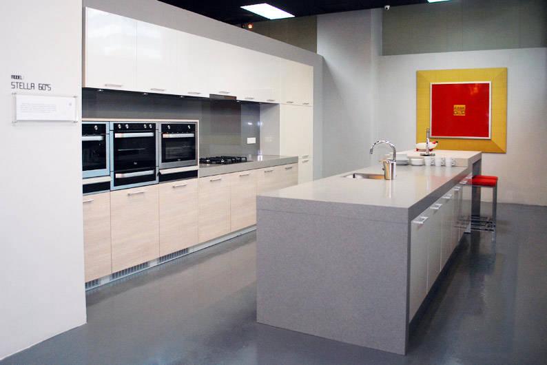 KCUBE_Stella-60s-Kitchen