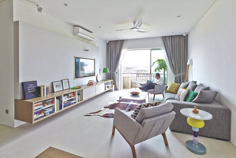 Stylish ideas from a design savvy condo apartment for Condo balcony ideas singapore
