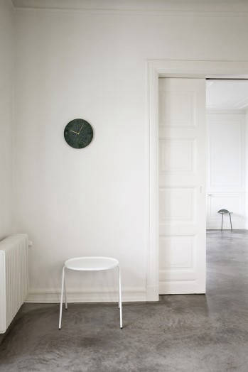 Marble_Wall_Clock_Location_07