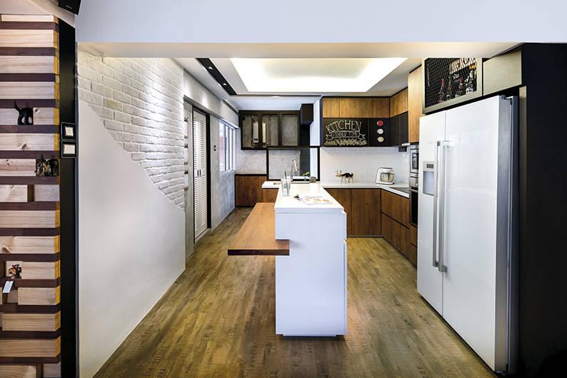 Kitchen Island - Home Journal (LB37)