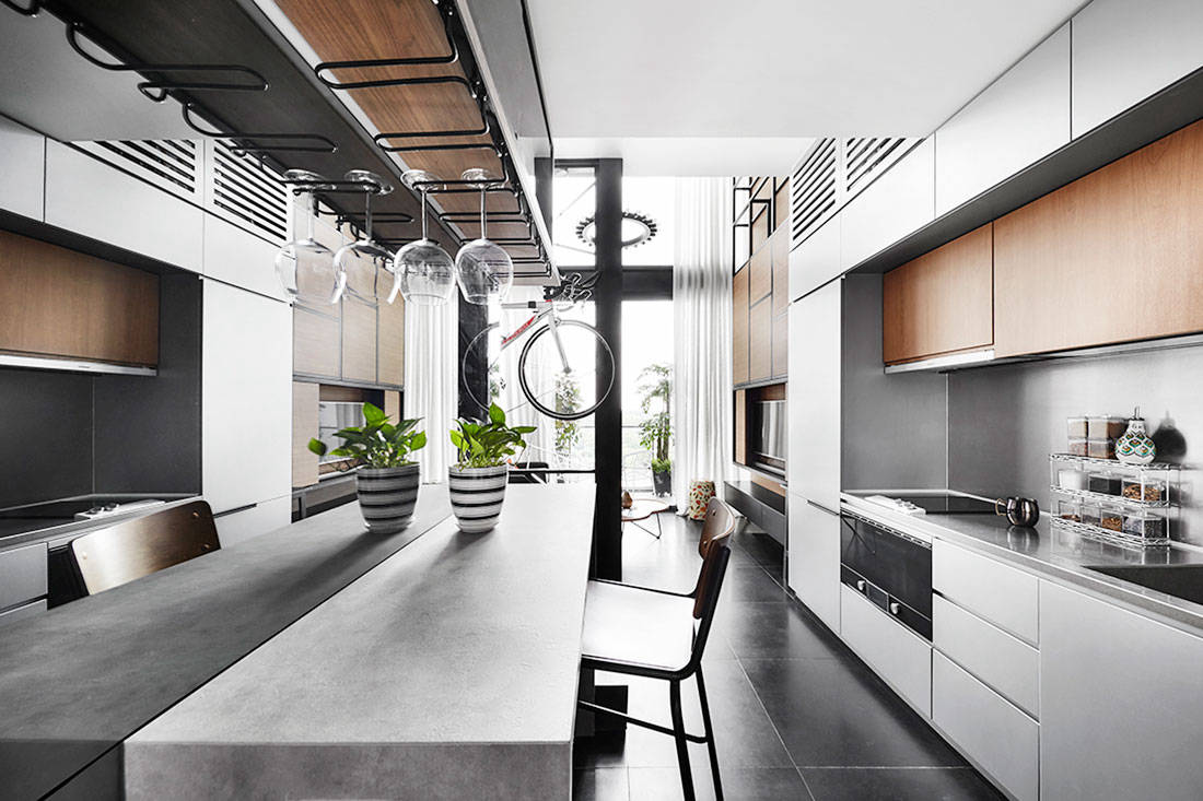 A one bedroom studio loft fitted with everything you 39 d ever need lookboxliving - Black white design studio ...