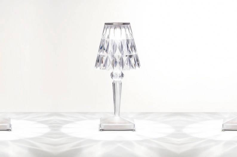 ed_Kartell-Battery-Lamp-(2)_2