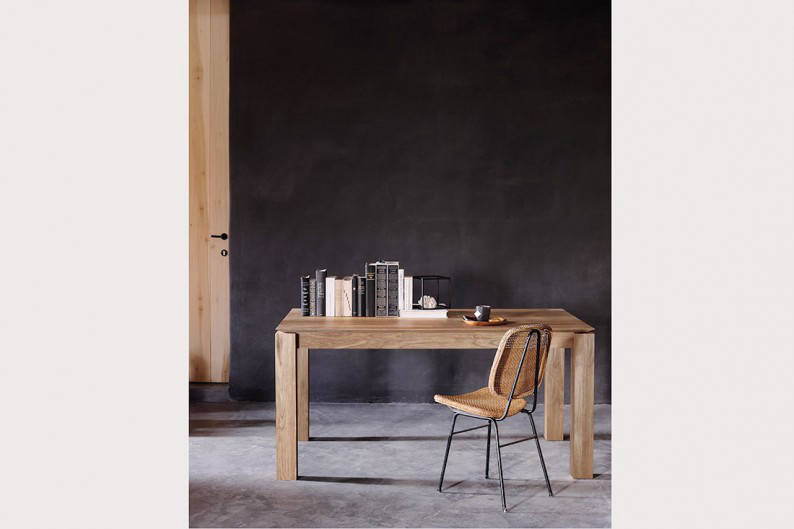 Ethnicraft_Teak-Slice-extendable-dining-table_Styled-closed