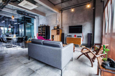 Industrial meets retro in an inter-terrace house