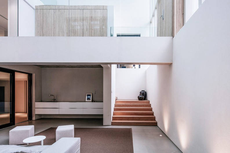 Atelier_About_Architecture_House_W_staircase