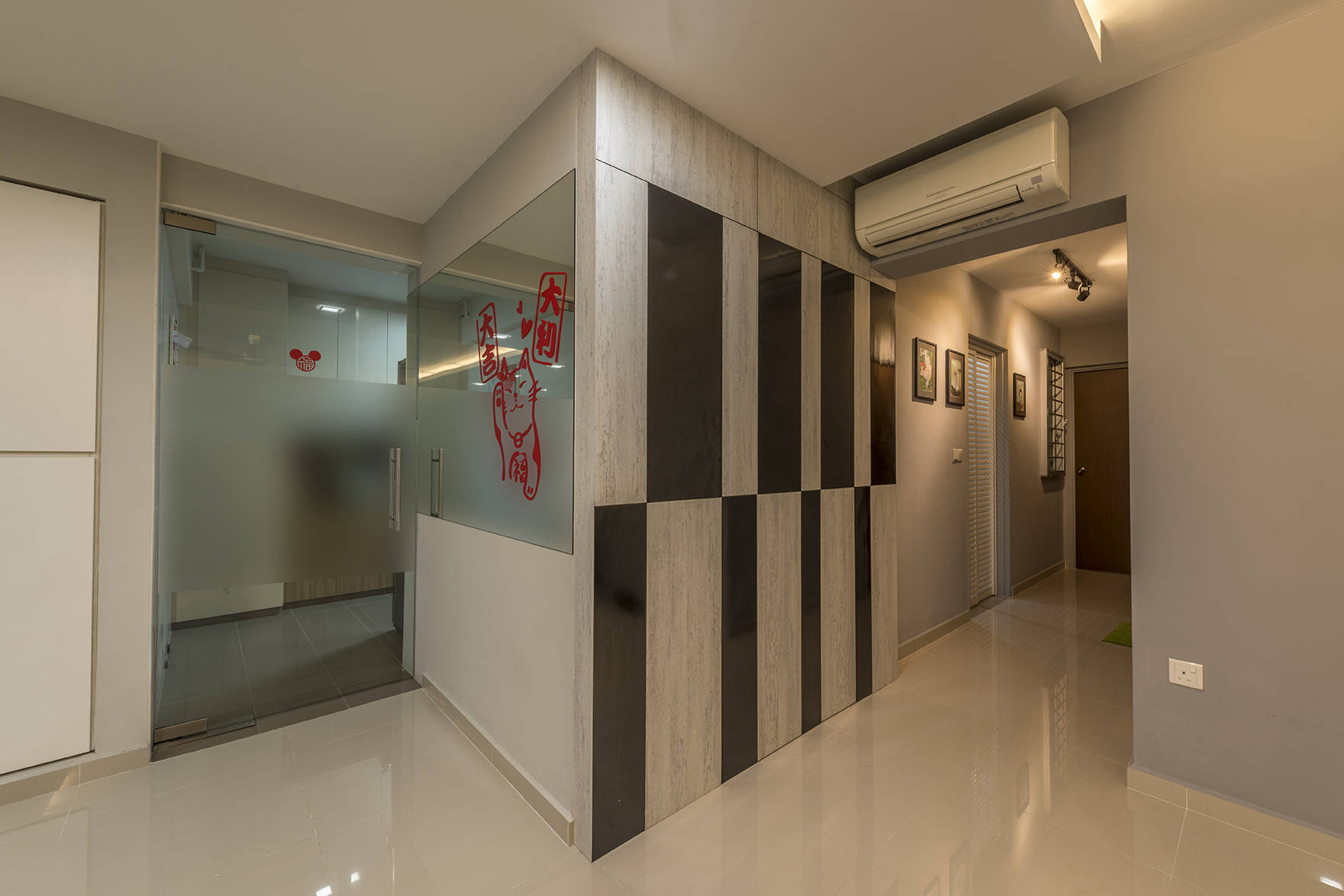 a clean and contemporary look for this 5room hdb flat