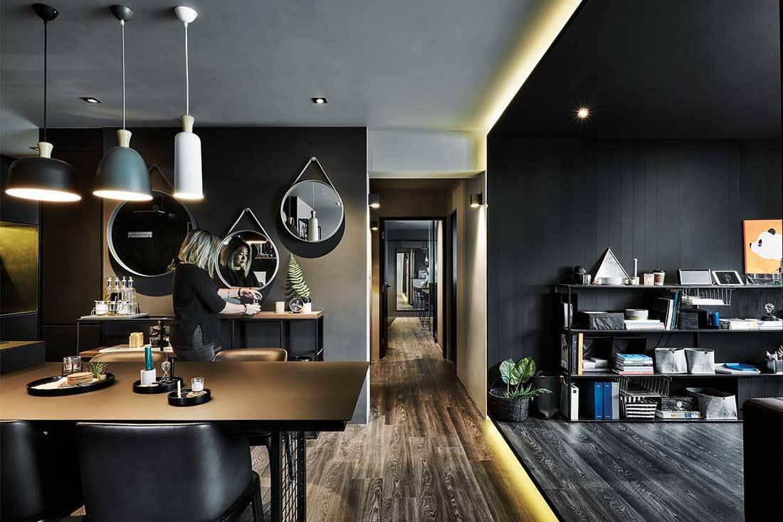 See inside an interior designer's black home | Lookboxliving
