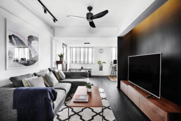 A chic black-and-white 3-room resale flat