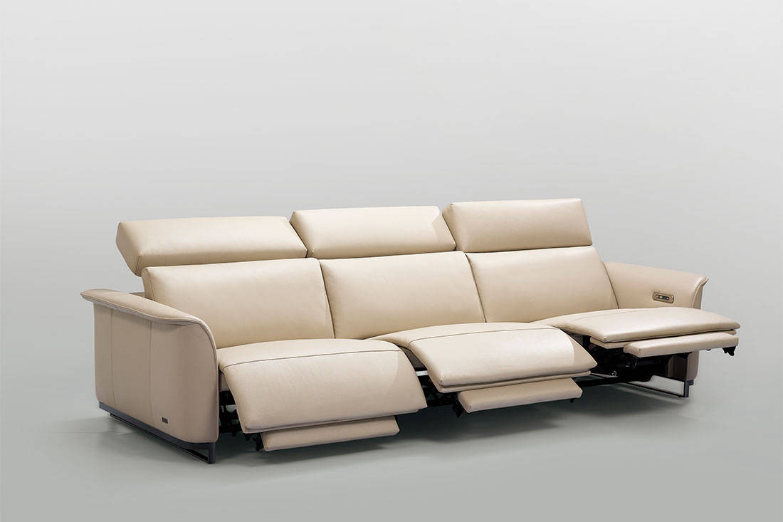 Kelvin Giormani leather sofa