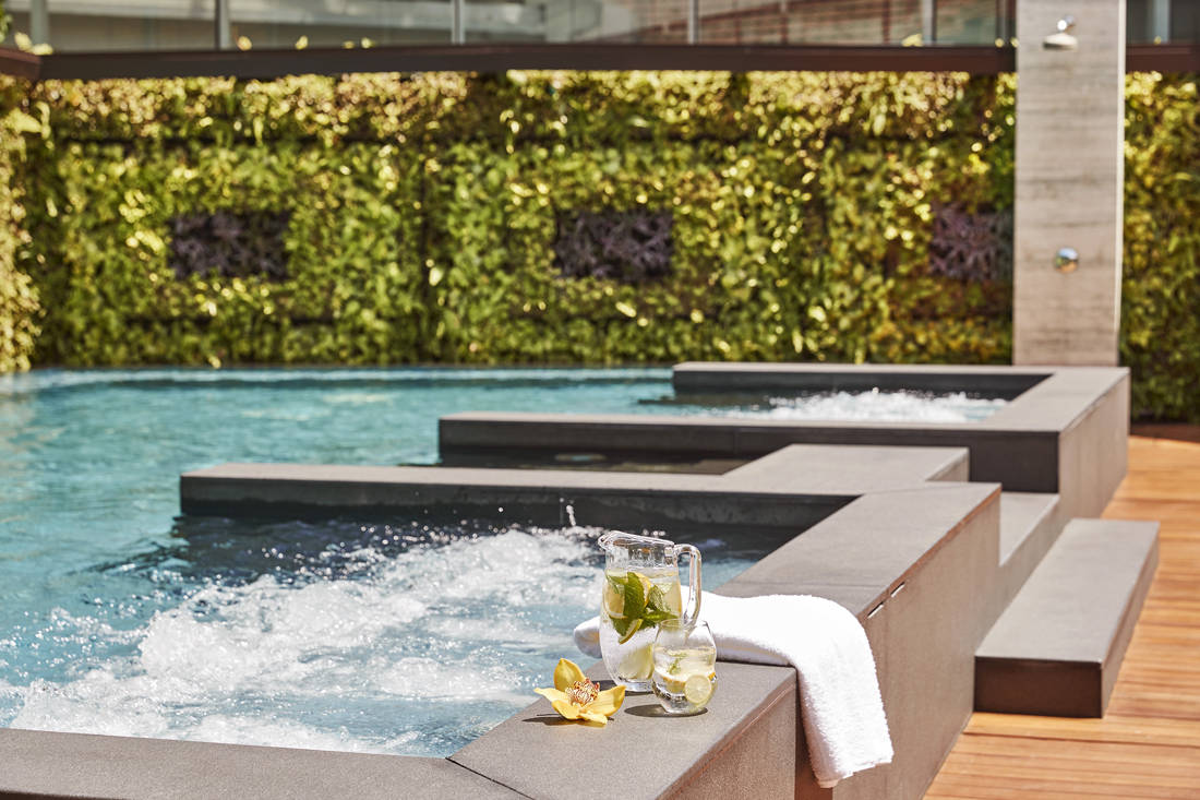 Kempinski Hotel Singapore - Saltwater Relaxation Pool Jacuzzi_CapitolKempinskiSg