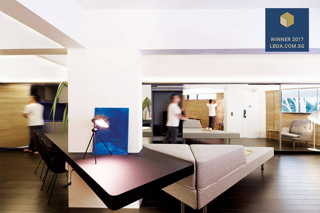 how_to_maximise_space_asolidplan_hdb_flat_living_room