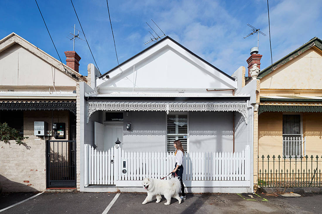 Albert Park House exterior small footprint living Whiting Architects cc Shannon McGrath