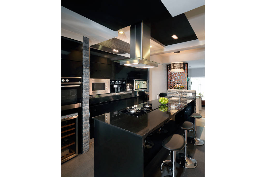 colour palette of Sennett kitchen by Ultimate Interior Creation