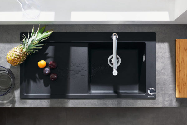 hansgrohe SilicaTec composite quartz sinks_Built in sink 450 with drainer_graphite black