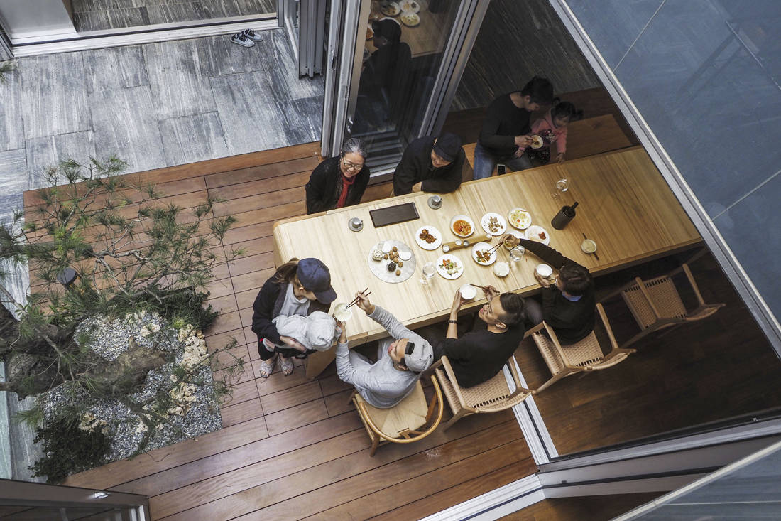 multifunctional spaces alfresco dining How How Living Project Lab Golden Pin Design Award 2018 winner