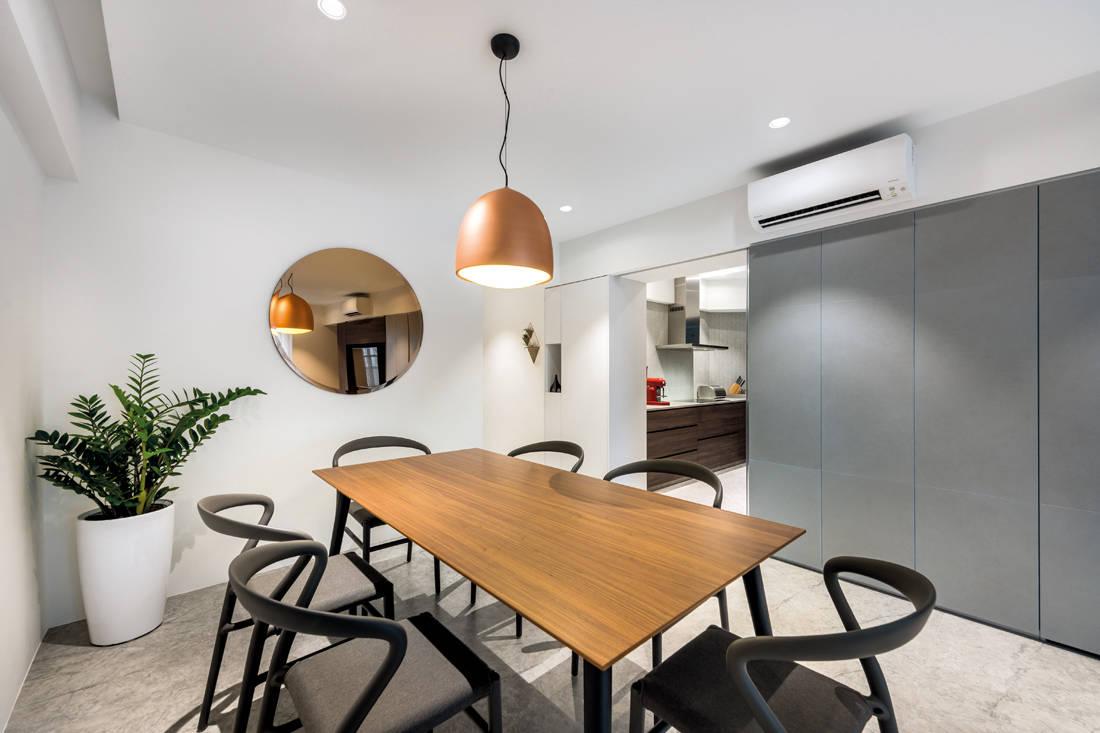 Artistroom Bishen St resale flat dining