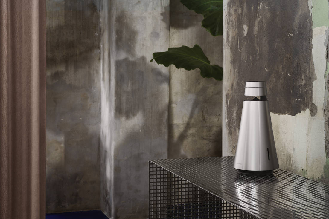 Lookbox Living Luxe issue Bang & Olufsen Beosound1