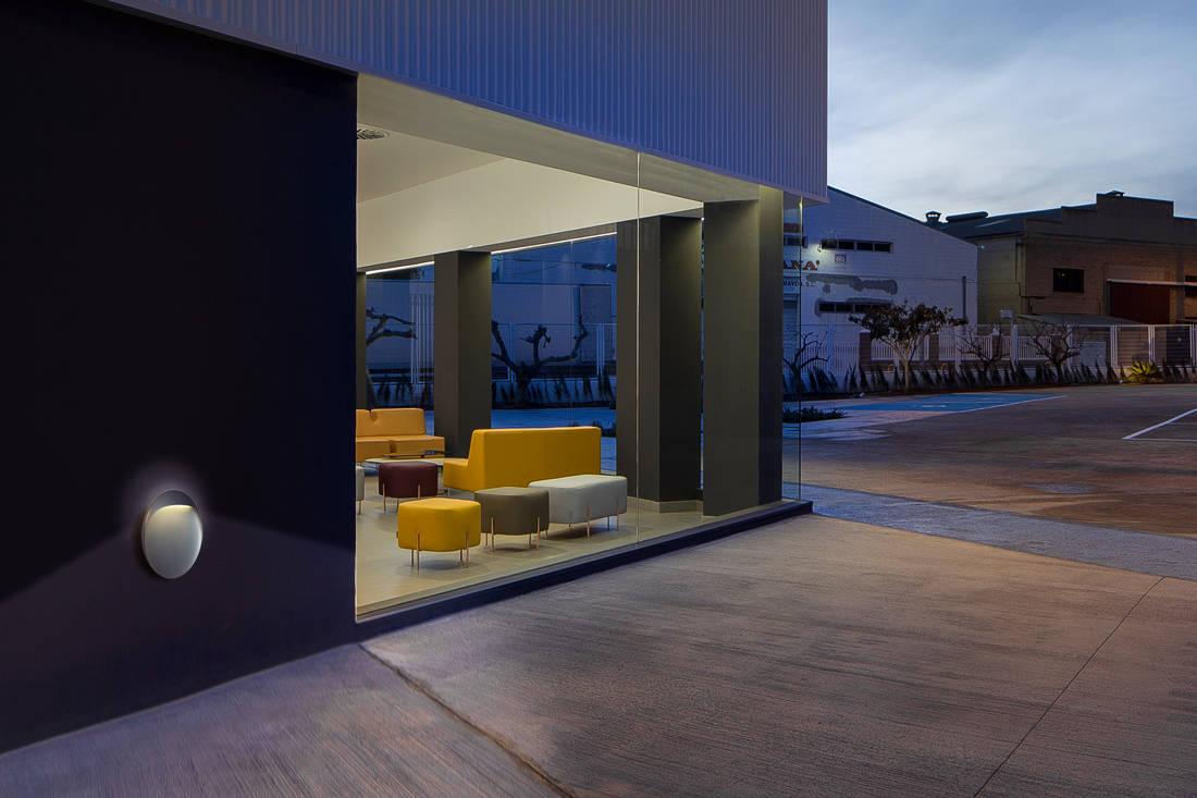 Louis Poulsen Flindt Wall outdoor lighting