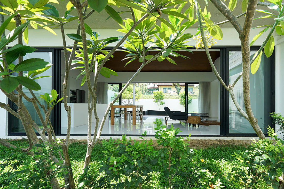 semi-detached house by Fabian Tan Architect - view from garden