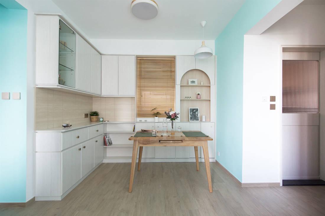 Sim-Plex Design Studio Snow White in Tiffany shoebox apartment dining area