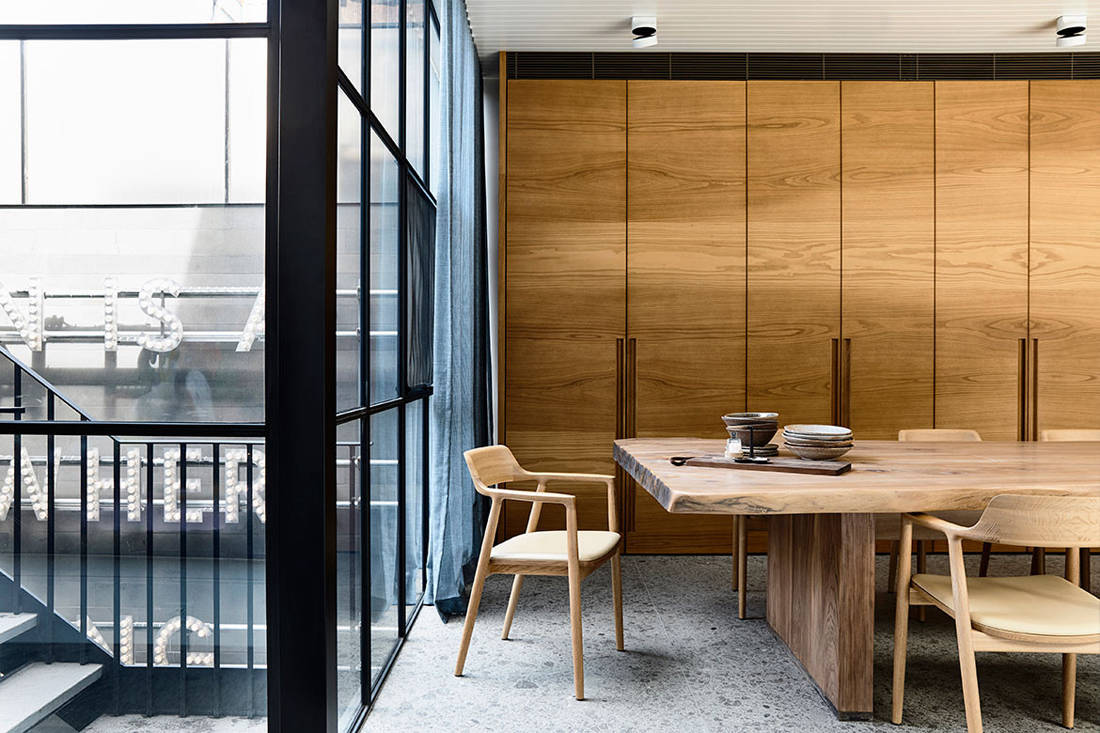 St Vincents Place dining area by B.E. Architecture