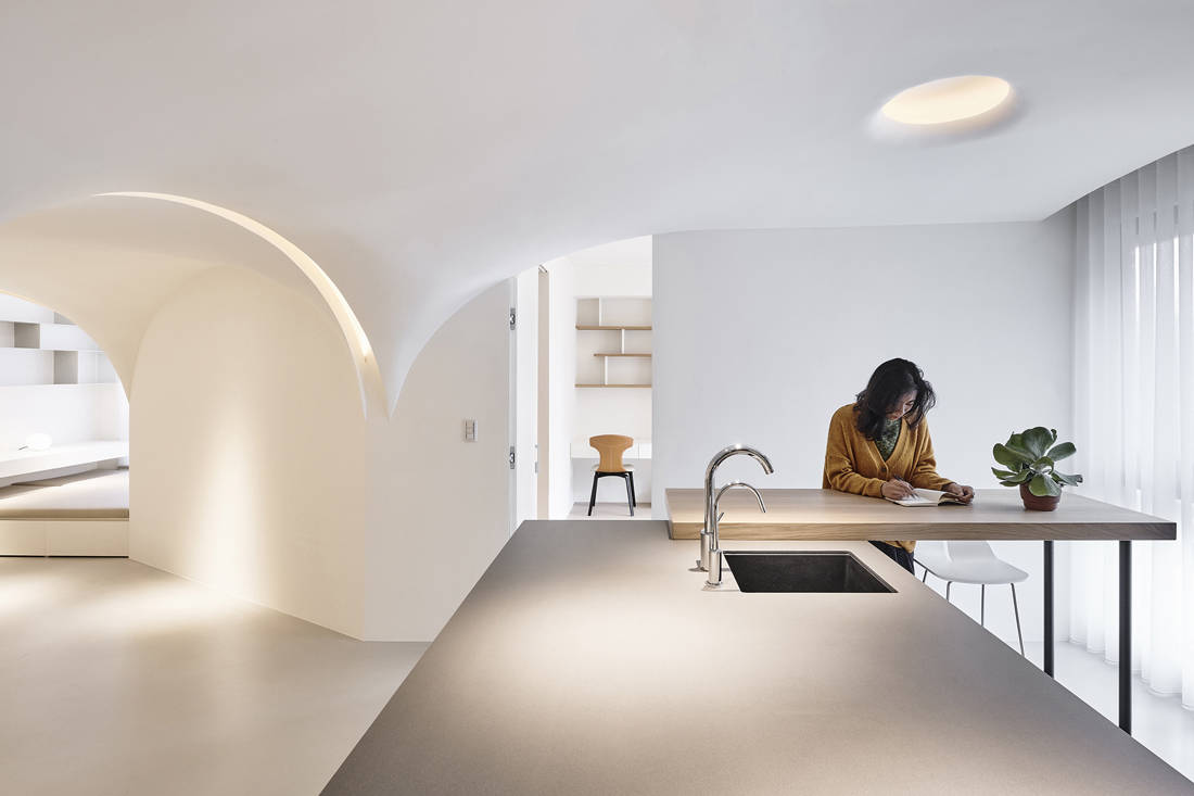 Taiwan apartment - Sunny Apartment by Very Studio Che Wang Architects photo by studio millspace (7)