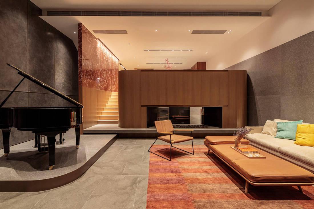 Living - Hong Kong villa inspired by music and seascape by VERB + PARA