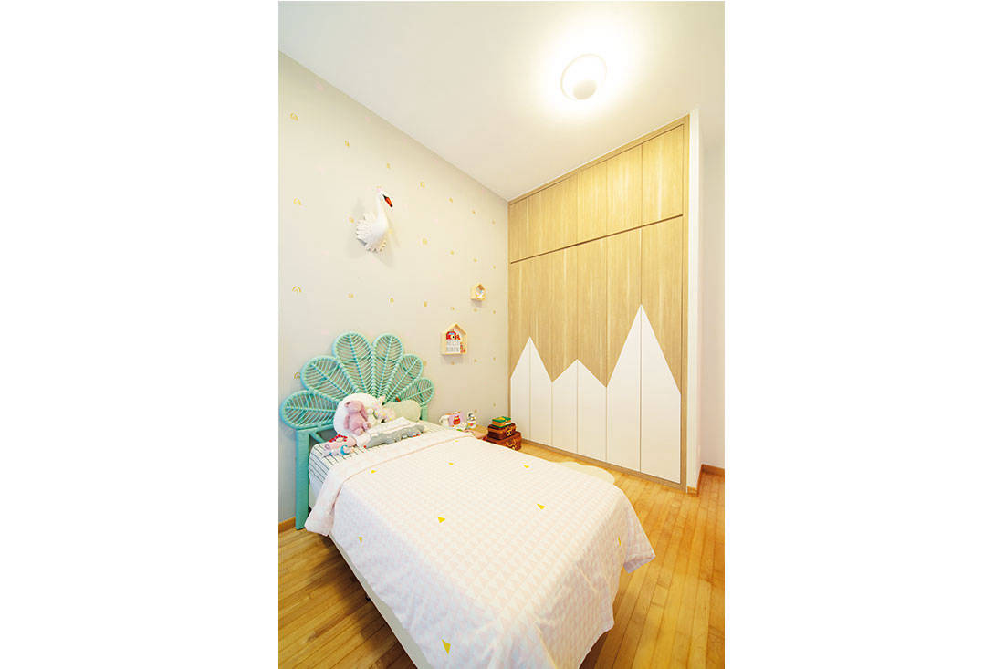 bedroom_colourful_condo_forefront_interior