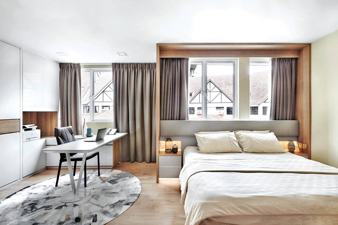 terrace house master bedroom by Design Zage