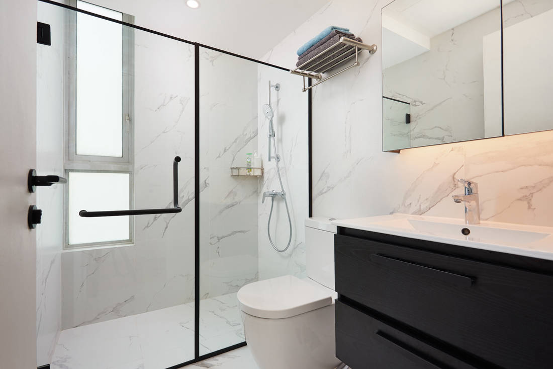 86 Jellicoe Rd open-plan condo bathroom by Design 4 Space