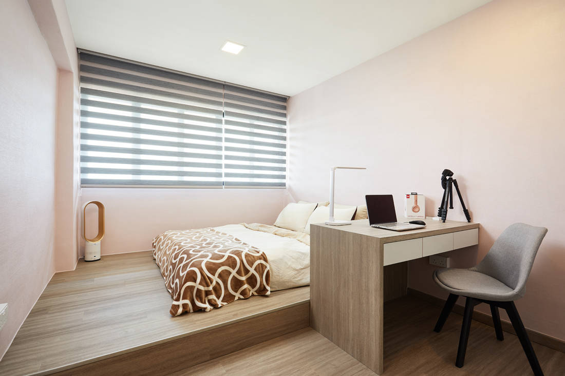 HDB resale flat bedroom by Dots N Tots Interior