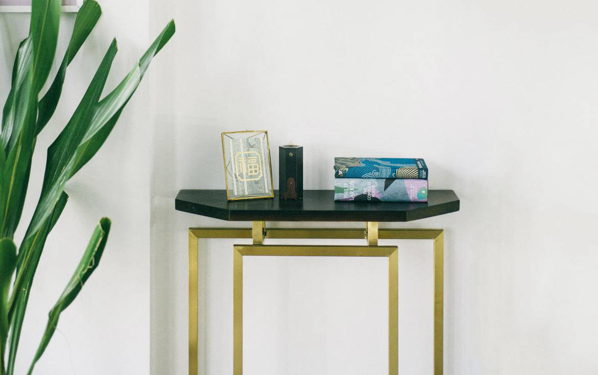 Lookbox Living Collection MING Half Octagon Console 001