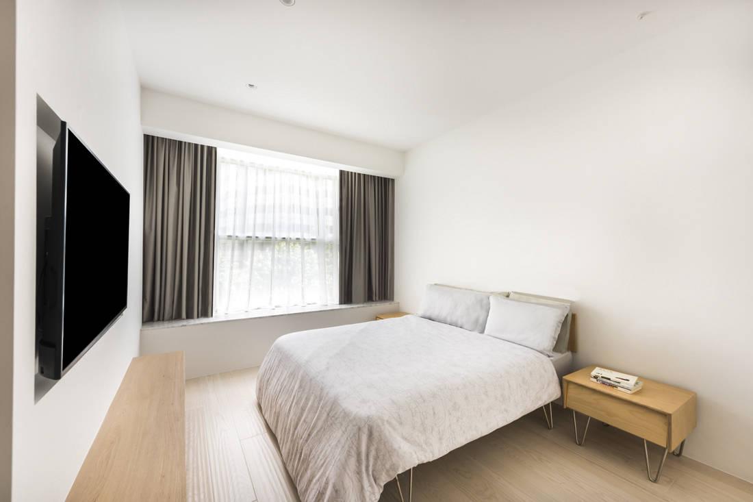 condo bedroom layout by Artistroom