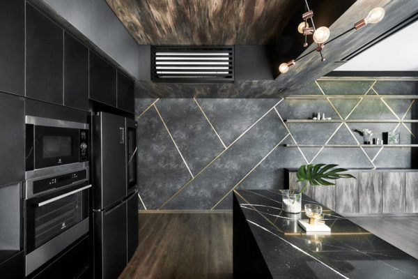 luxe and dramatic condo kitchen by IN-EXPAT (2)