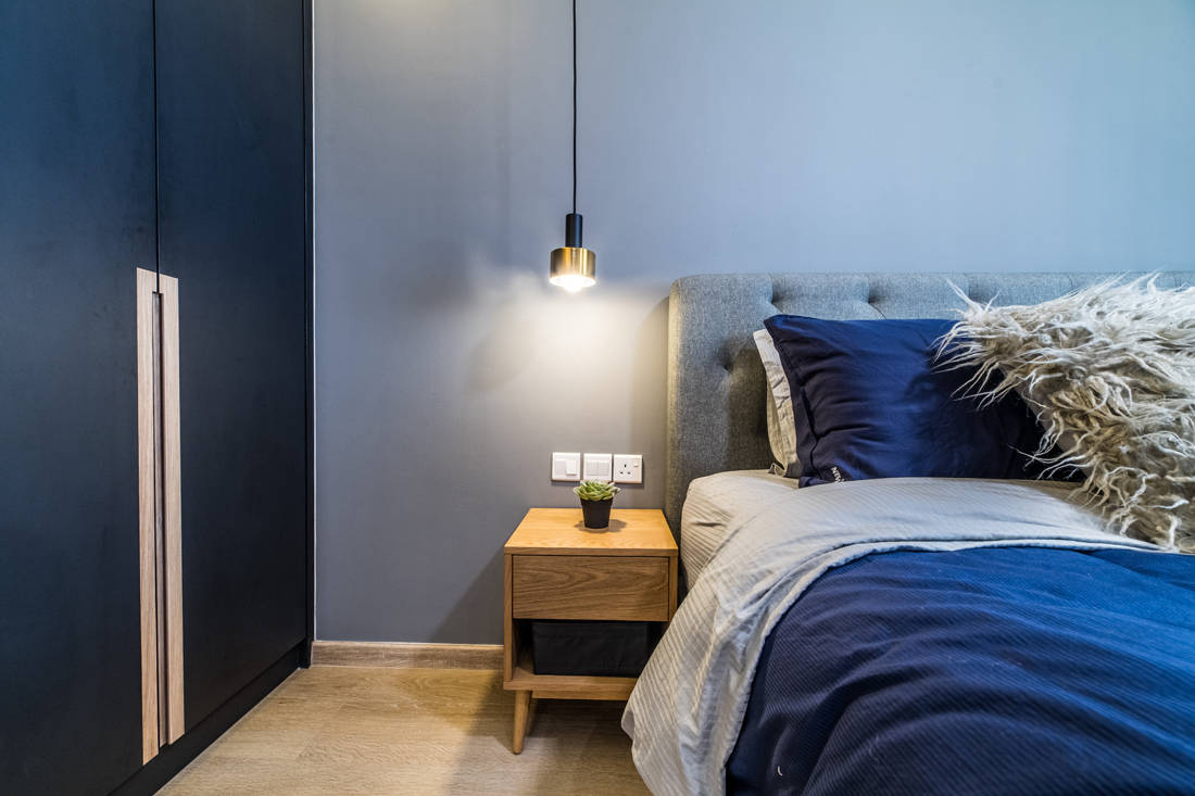 pop of colour in HDB bedroom by I.D.I.D