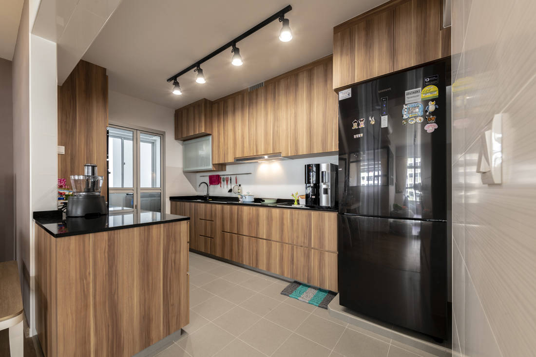 spacious flat kitchen designed by Metier Planner