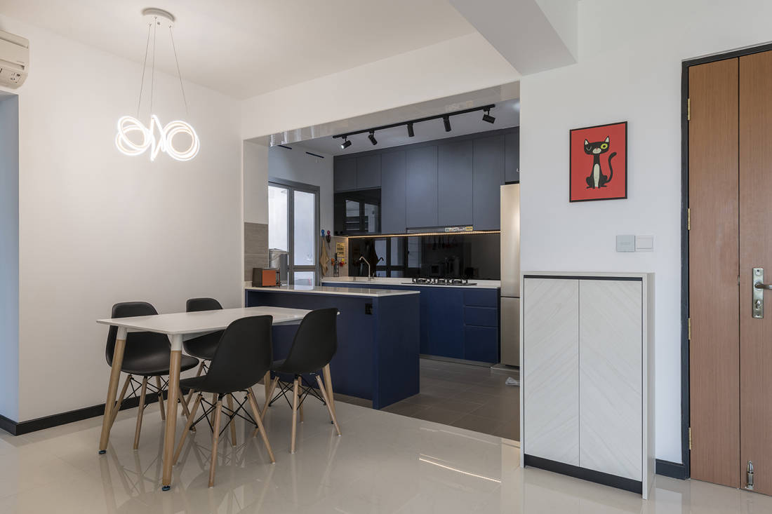 practical kitchen and dining in HDB flat by Metier Planner