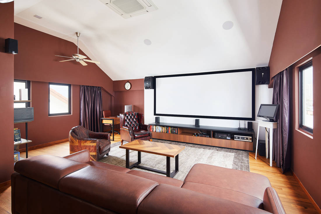 bungalow Mad Men-inspired entertainment room by Dots N Tots Interior