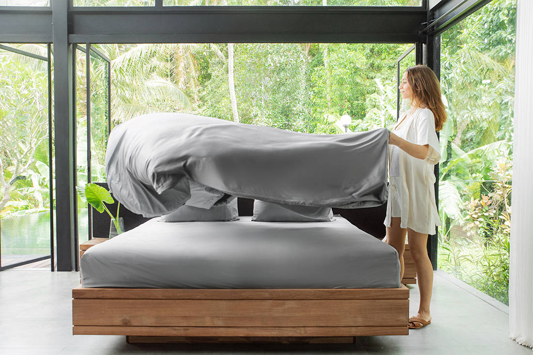 Heveya bamboo sheets by European Bedding - making bed