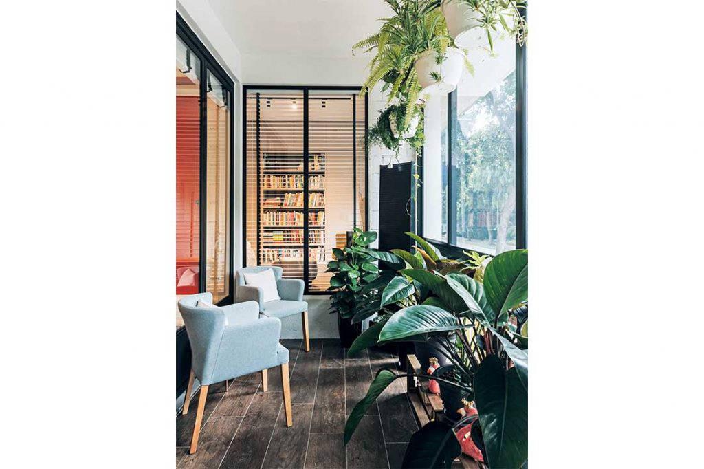 walk-up apartment Third Avenue Studio