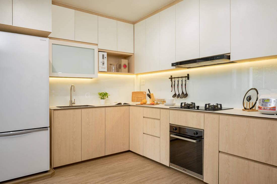 Scandi style resale HDB flat kitchen by AP Concept