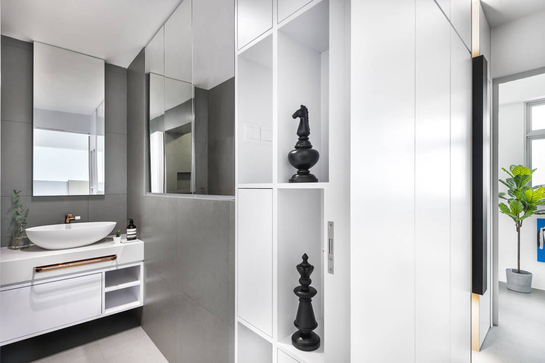 common bathroom in interior designer's dream home by D5 Studio Image
