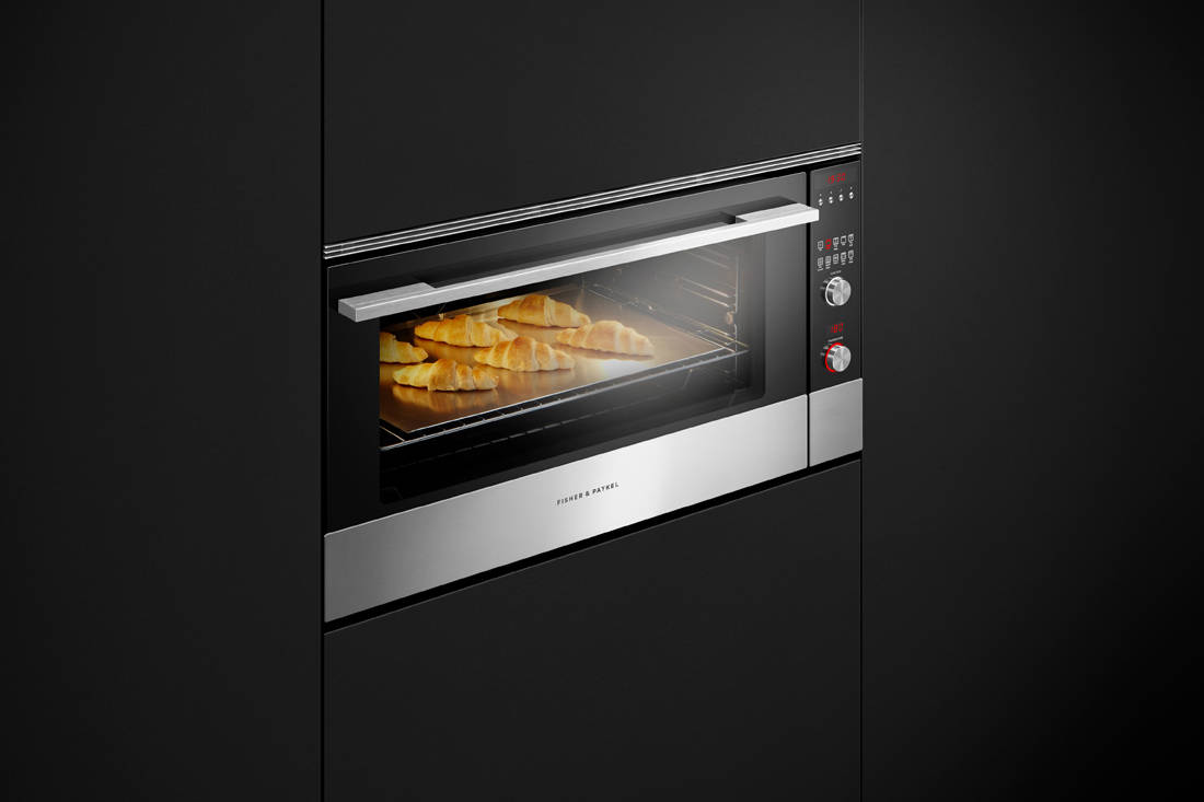 Fisher & Paykel 9 Function Pyrolytic Built-in Oven side view