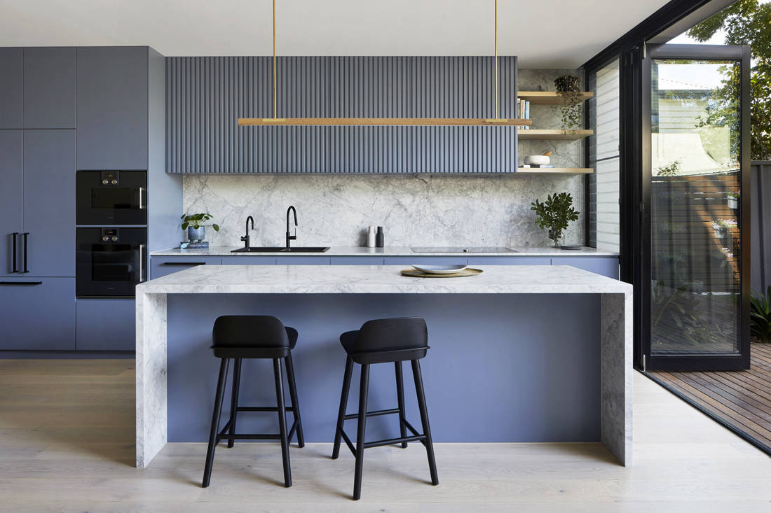 Victorian suburban home kitchen by Blank Canvas Architects