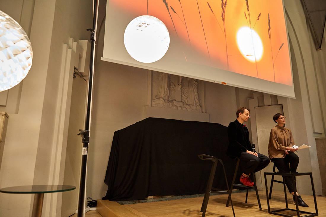 Øivind Slaatto on Louis Poulsen Patera Silver light (9)