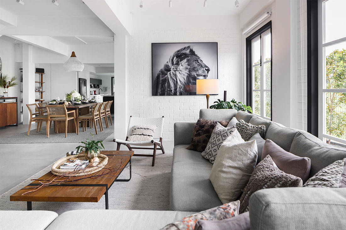 LBDA 2019 Outstanding Landed Home Winner - Black & White x South African Chic by Haus_Atelier