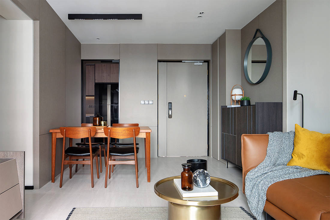 living room in small flat by Joey Khu ID