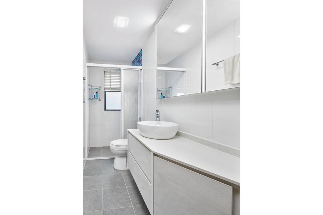scandinavian minimalism bathroom by AP Concept