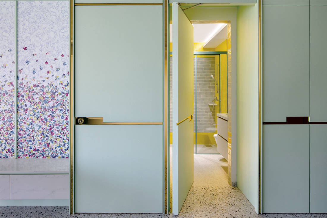 cat-friendly home | Linear Space Concepts - door